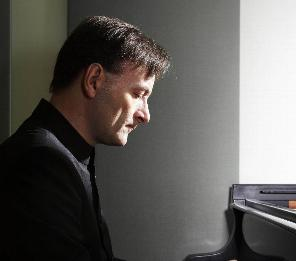 K5 - KLAVÍRNY RECITÁL STEPHEN HOUGH